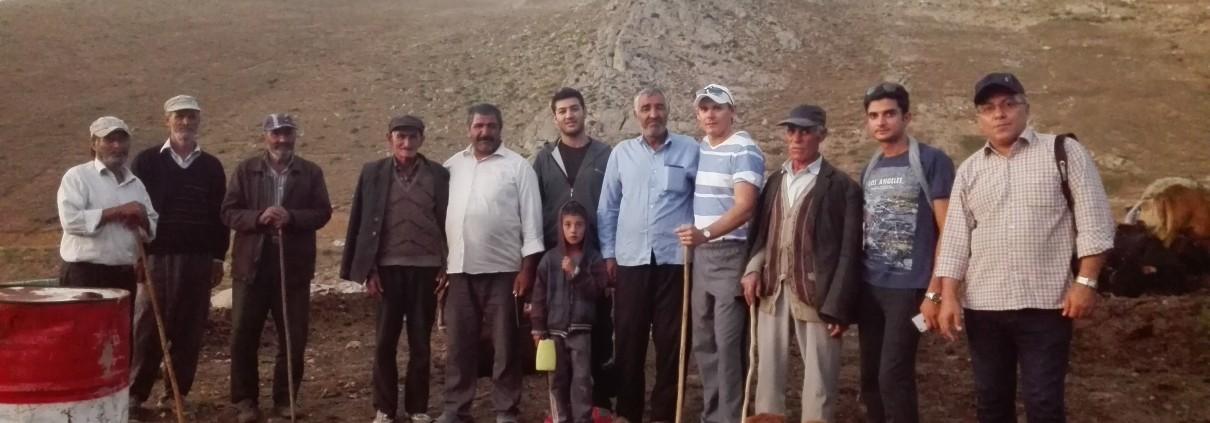 عکس با عشایر در مسیر قلعه بابک